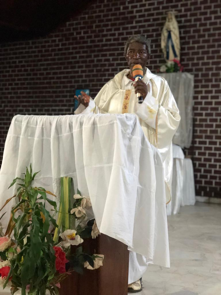 Tournée mensuelle de l'Aumonier général le Père Robert NDEBI